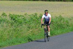 La Gergovienne : cyclotouriste dans la montée du Crest